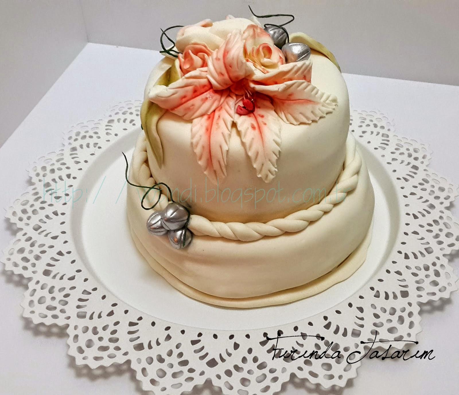 Şeker Hamurundan Katlı Pasta