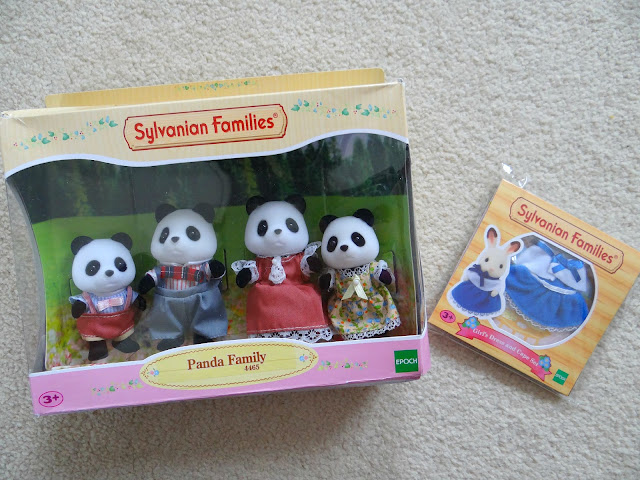 Sylvanian Families 30th Anniversary, doll house, animal figurines