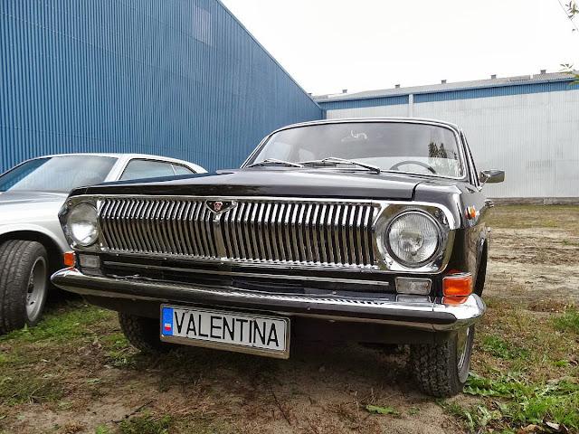 Klasyczne samochody w SOHO Factory.