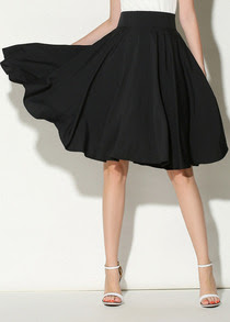 http://www.romwe.com/Black-High-Waist-Pleated-Skirt-p-119886-cat-682.html?utm_source=simply2wear.com&utm_medium=blogger&url_from=simply2wear