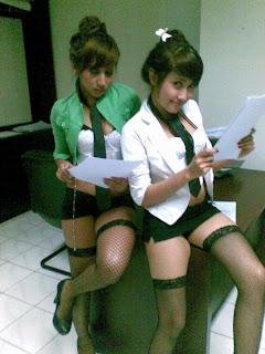 Sekretaris Cantik, Seksi, Nakal Dan HOT