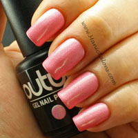 Couture Gel Polish Oui Madame Swatch