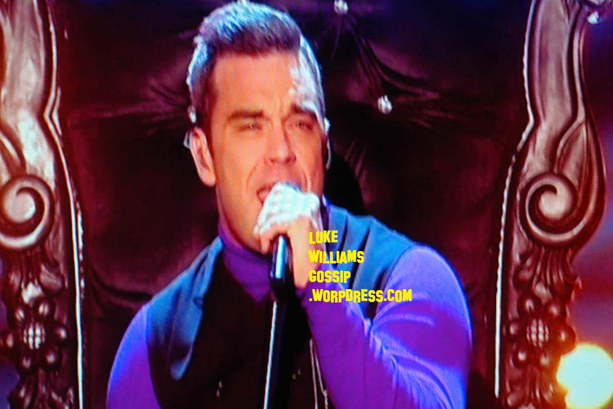 http://1.bp.blogspot.com/-v0CwtXFs580/UI3ifQswsZI/AAAAAAAAOg4/Ixi5aZvTZuo/s1600/Robbie+Williams+Performs+On+X+Factor+UK+AND+Shouts+\'I+Love+Rylan.+Show+Him+Some+Love\'+During+His+Performance.png