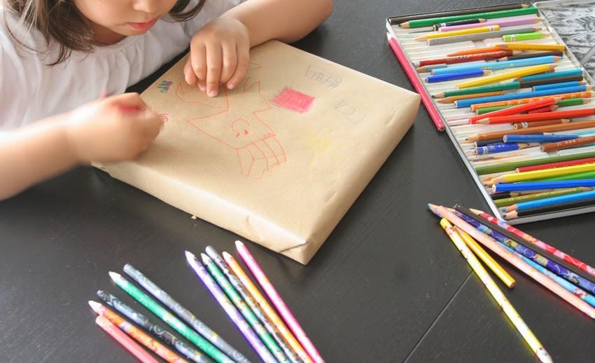 Dibujando en el papel kraft - Packaging personalizado para el profesor3