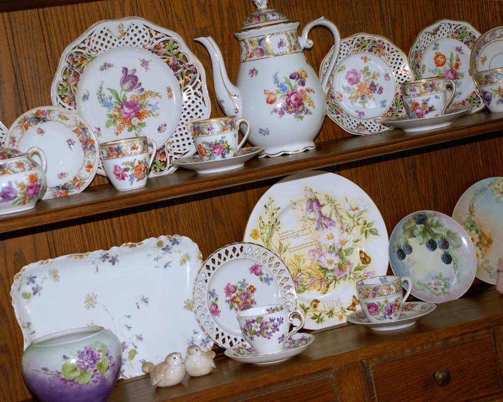 Schumann Bavaria China in Cabinet Welsh Dresser