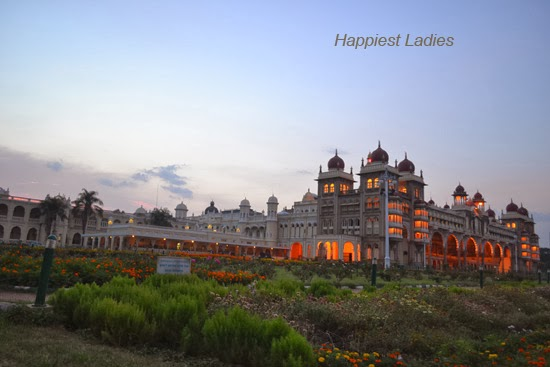 Mysore-palace-+-Tourists-spot