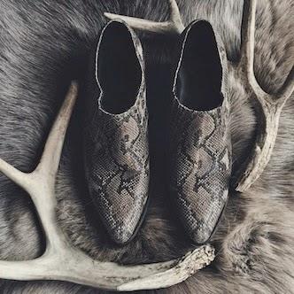 ✭ grey snakeskin ✭