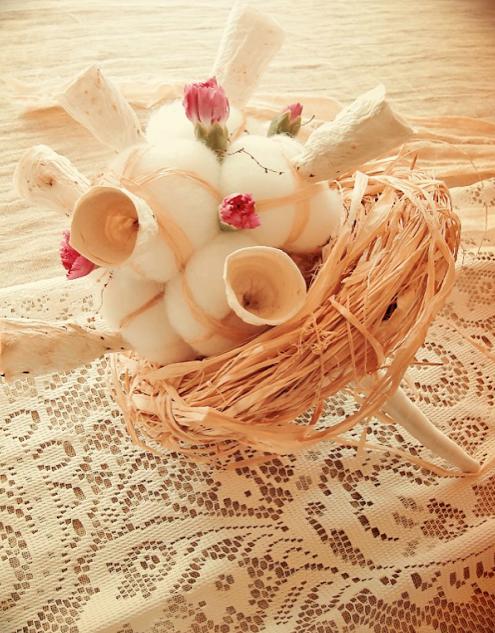 allestimento matrimonio ecologico: lino, pizzo, eco bouquet di carta