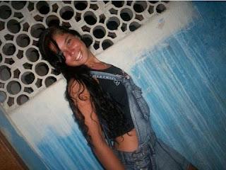 O primeiro ensaio nu de Rita Mattos, a Gari Gata, está dando o que falar. A beldade de 24 anos foi descoberta em julho deste ano, nas ruas do Rio de Janeiro, enquanto trabalhava na Comlurb (Companhia Municipal de Limpeza Urbana) como gari. Mas ela não nasceu tão gata assim...