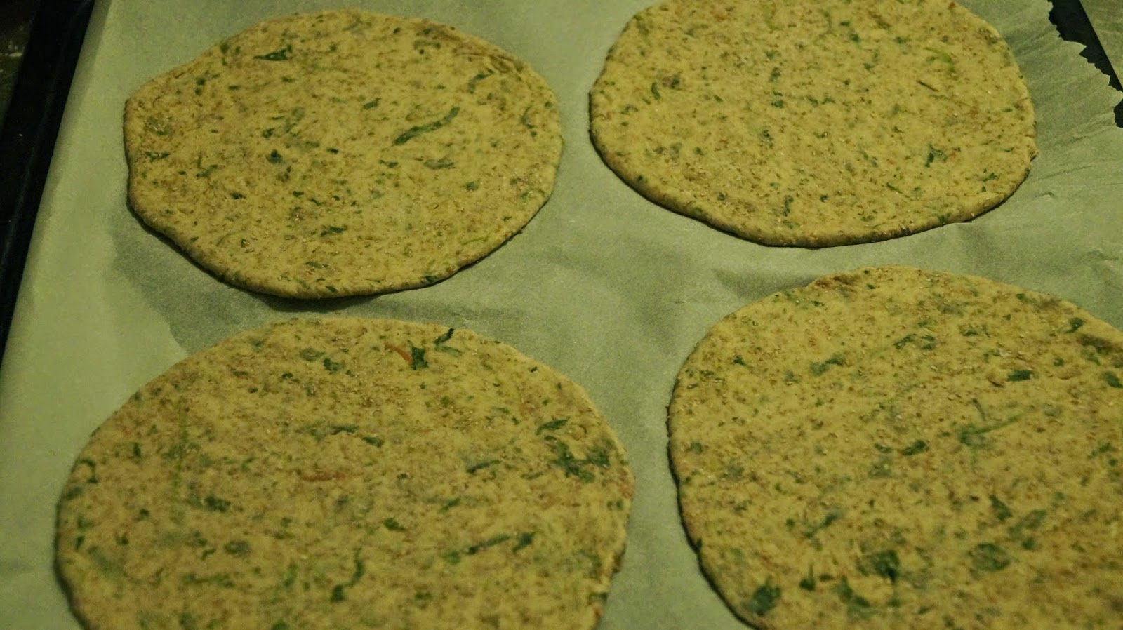 http://cupcakeluvs.blogspot.dk/2014/12/spinat-tomat-fuldkorns-naan-spinach.html