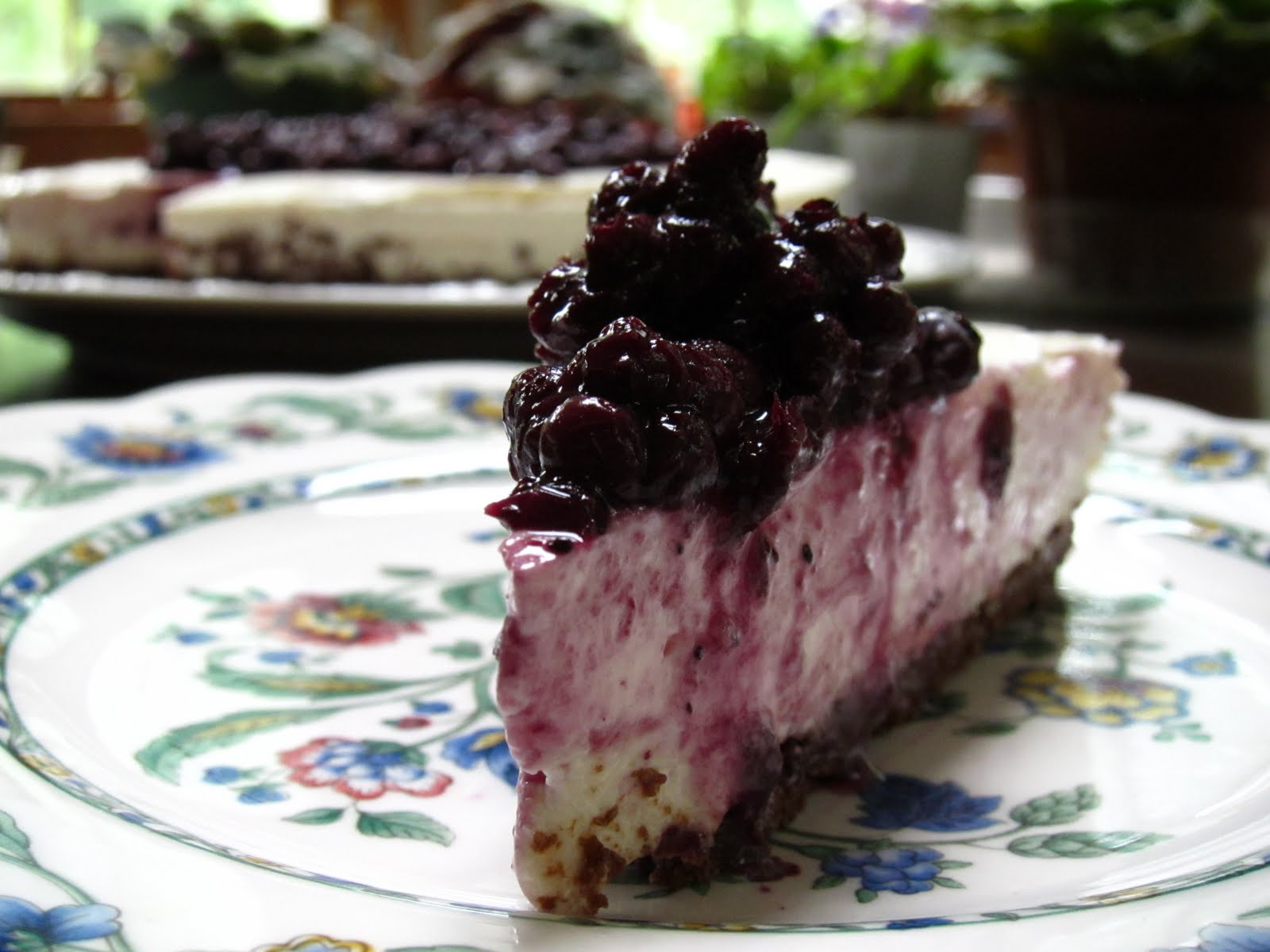 No Bake Blueberry Cheesecake on a Chocolate Graham Cracker Crust ...