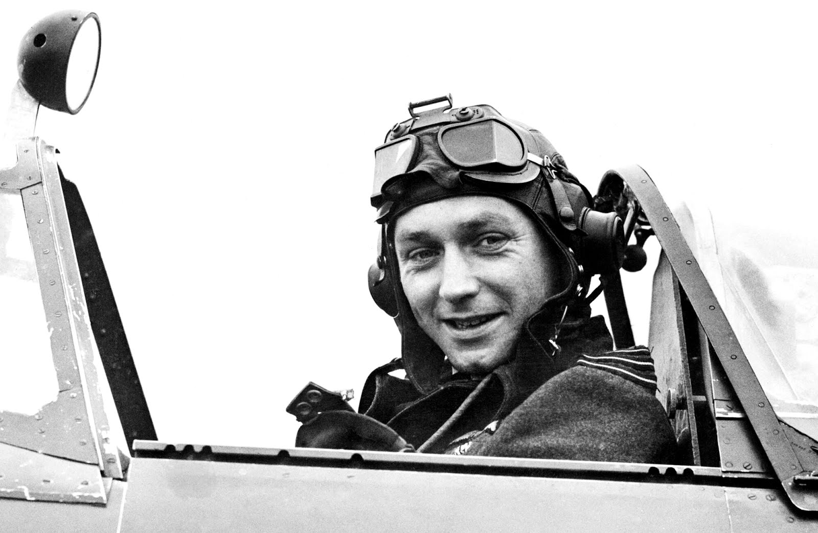 Raymond Hiley Harries - DSO & Bar, DFC & Two Bars