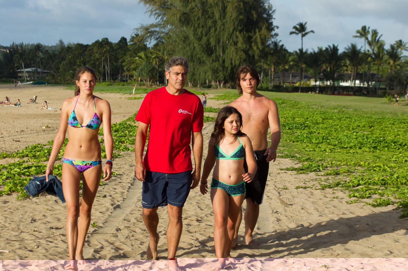 http://1.bp.blogspot.com/-v1m7bWzgk7U/Ts0Oxu3H-jI/AAAAAAAAANQ/0XTEVXB_g4A/s1600/Clooney_and_kids_pic.jpg