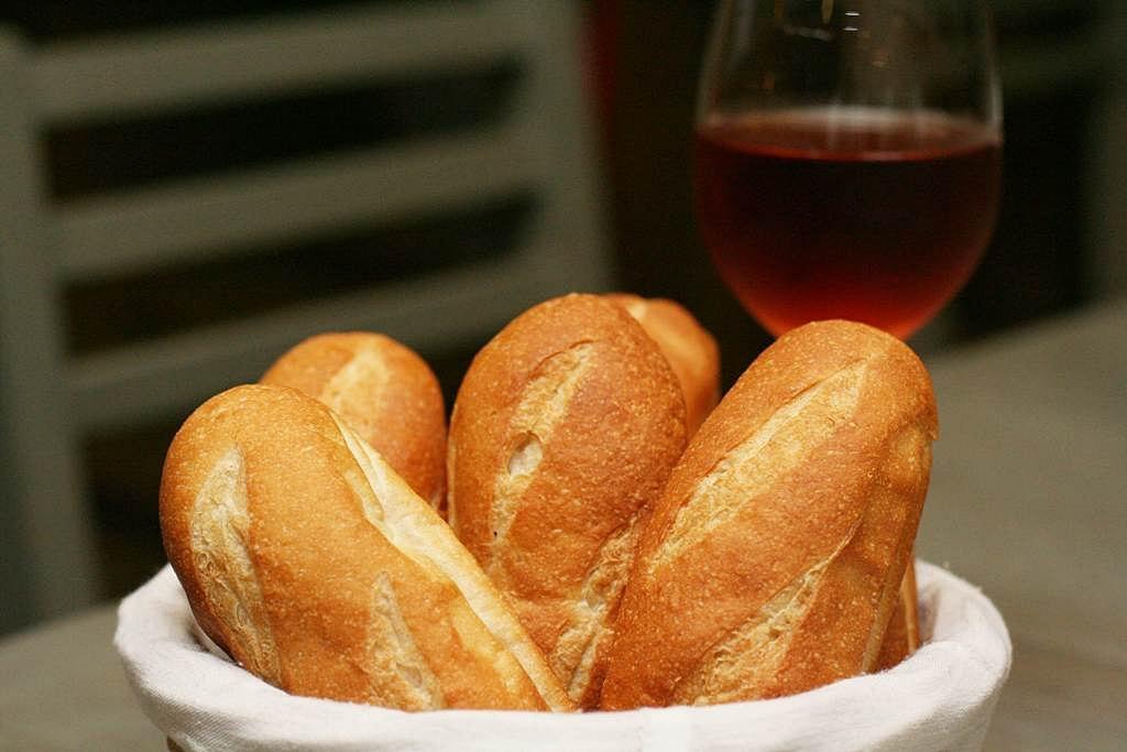 Brasserie CiÇou Le Bouchon Lyonnais Baguette