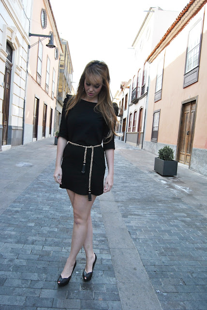 Nery hdez, snb, LBD , LITTLE BLACK DRESS.