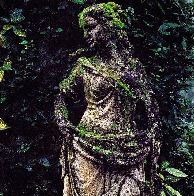 Northern light garden sculptures for Northern light and garden