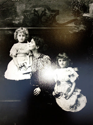 Mary Curzon with her children