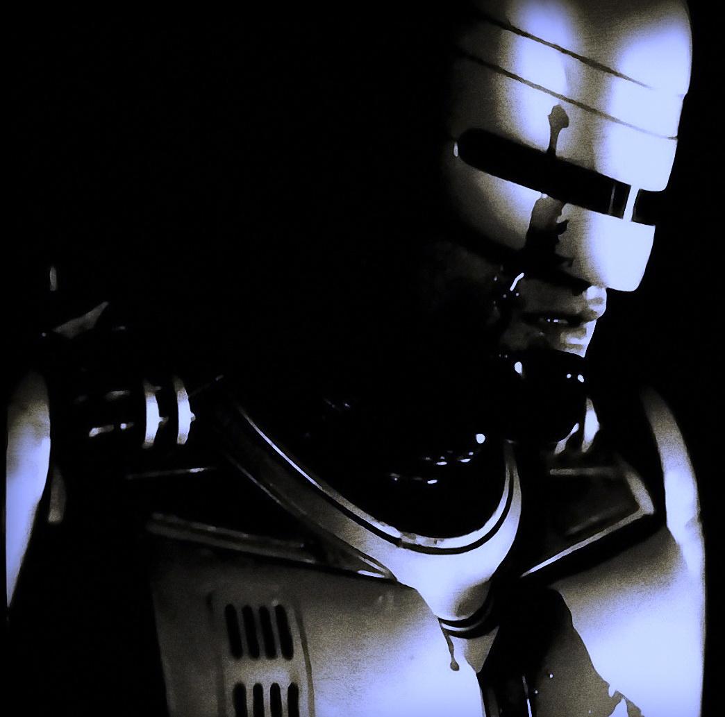 http://1.bp.blogspot.com/-v2A3QOVU948/UACSFRIZ3ZI/AAAAAAAAID4/3r750SfpriI/s1600/robocop-MGM_Joel_Kinnaman_Gary_Oldman_The_Dark_Knight_Rises_Samuel_L_Jackson_The_Avengers_Pat_Novak_Jose_Padilha_Paul_Verhoeven.jpg