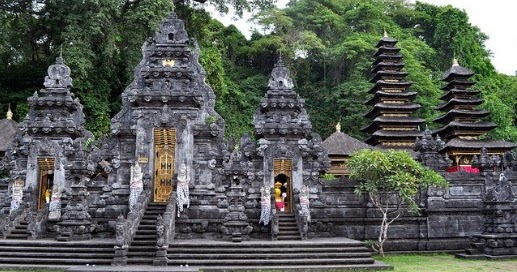 bali trip vacations goa lawah temple bali places of interest. Black Bedroom Furniture Sets. Home Design Ideas