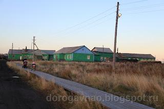 Дорога в школу, деревянные мостки, д. Андег, НАО