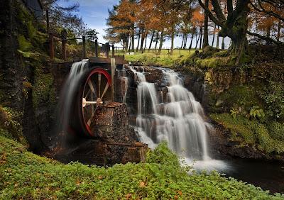 El molino de agua - The waterwheel