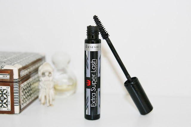 Katherine Penney Chic Rimmel Mascara Makeup Beauty Review