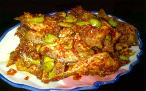 Cara Membuat Sambel goreng Petai Ikan Kape-Kape