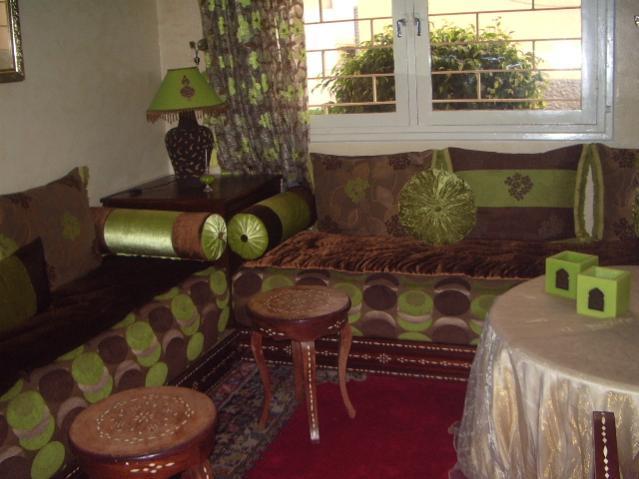 الصالونات المغربية بالوان زاهية 9.jpg