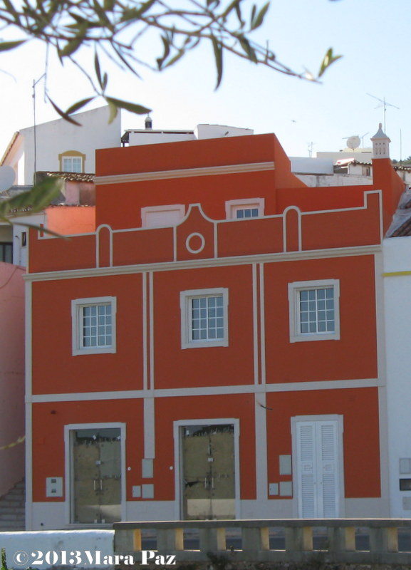 Red house at Alte, Algarve