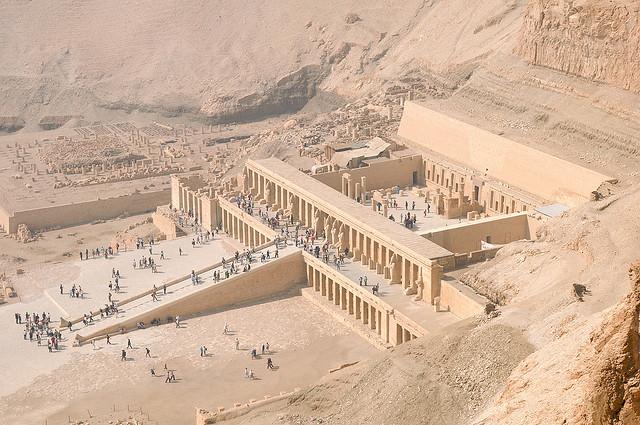 المعابد القديمة التي توجد في مصر
