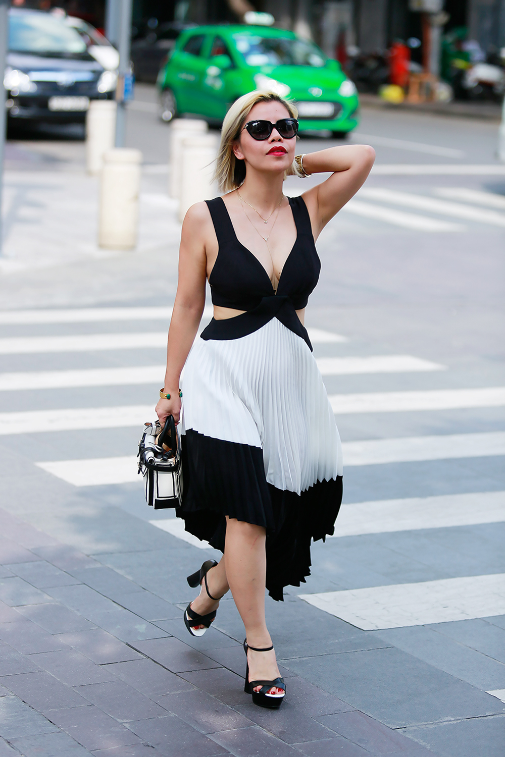 Crystal Phuong in Vietnam Fashion Week- Streetstyle