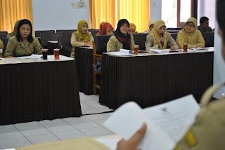 Bidan PTT Trenggalek Wadul Ke DPRD karena Terancam di Pecat