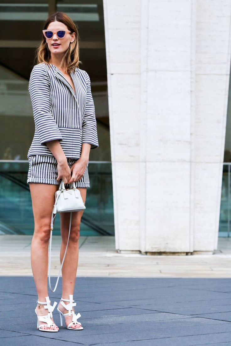http://www.elle.com/fashion/street-chic/nyfw-spring-2015-street-style-photos#slide-7