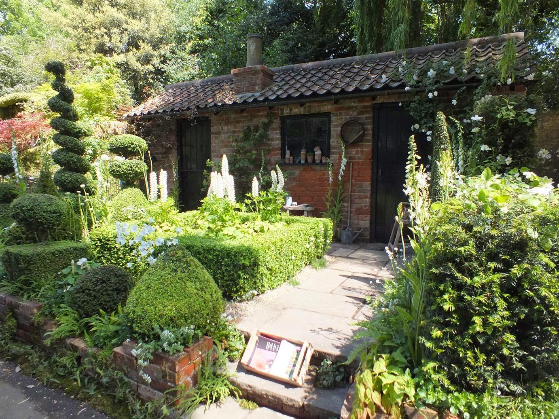 The Topiarist's Garden