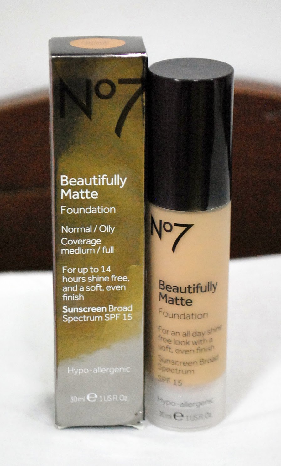 Peachy Pink Sisters: Review : Boots No7 Beautifully Matte Foundation ...