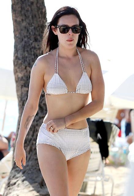 Rumer Willis  sexy in swimsuit