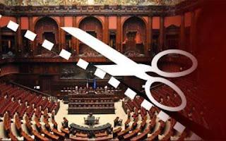 Taglio indennità parlamentare? Una legge di 2 righe. Norme nuove, non proclami! siete pagati per quello!
