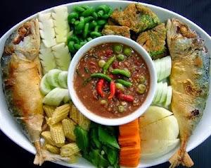 น้ำพริกกะปิปลาทู อาหารที่เด่นประจำร้านเรา