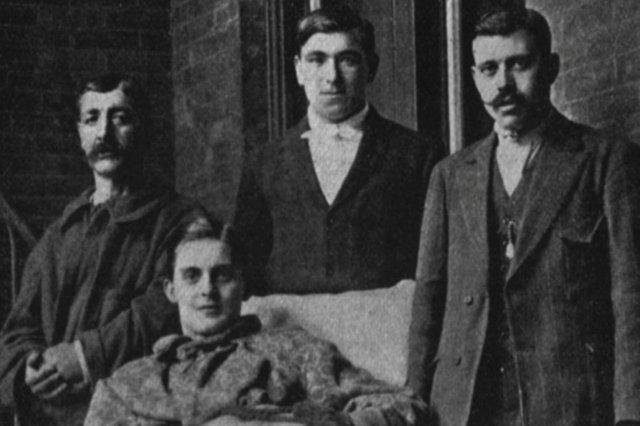 Supervivientes de la tragedia del Titanic en Nueva York - John William Thompson, Thomas Whiteley, William McIntyre y el español Emilio Pallas Castello