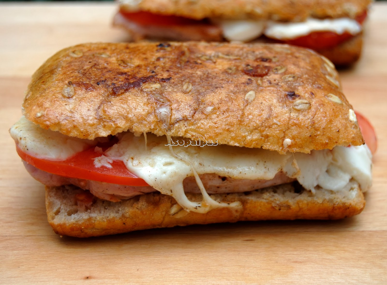 Sándwich de Pavo Caprese
