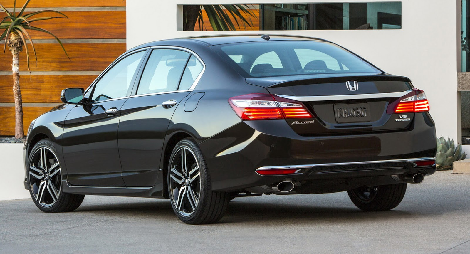 Honda Accord 2014 Coupe V6 >> Honda Debuts 2016 Accord Facelift, We Visually Compare It With The 2015MY | Carscoops