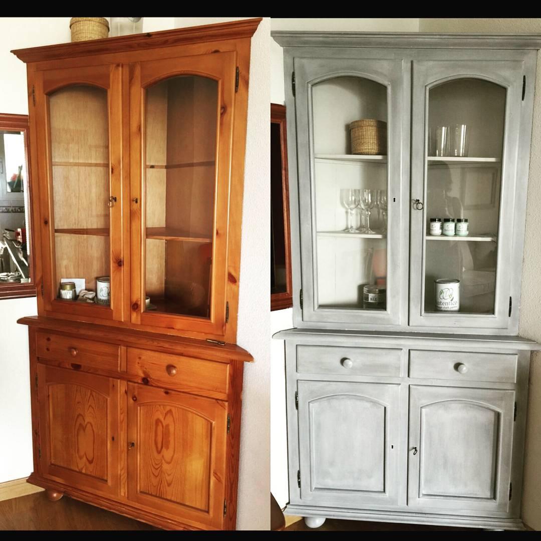 Este último mueble esta pintado de gris francés con cera blanca, que