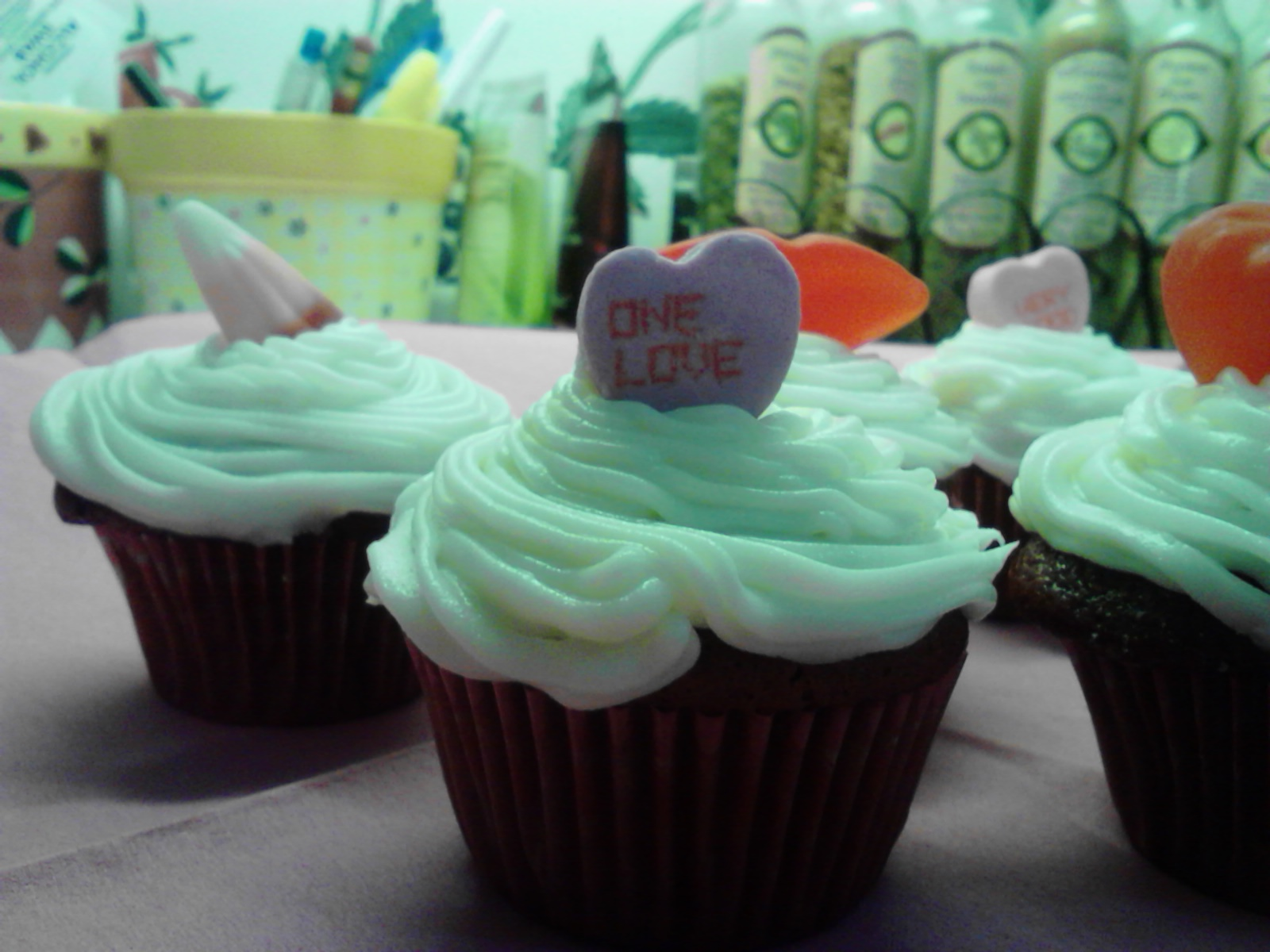 Kandy\'s Kitchen Kreations: Red Velvet Cupcakettes w/Cream Cheese ...