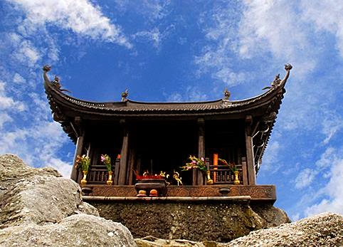Cho thuê xe đi chùa Yên Tử tại Hà Nội