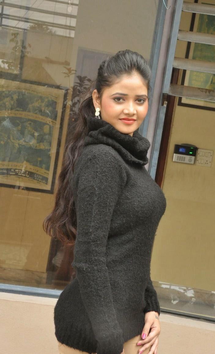 shreya black dress pics