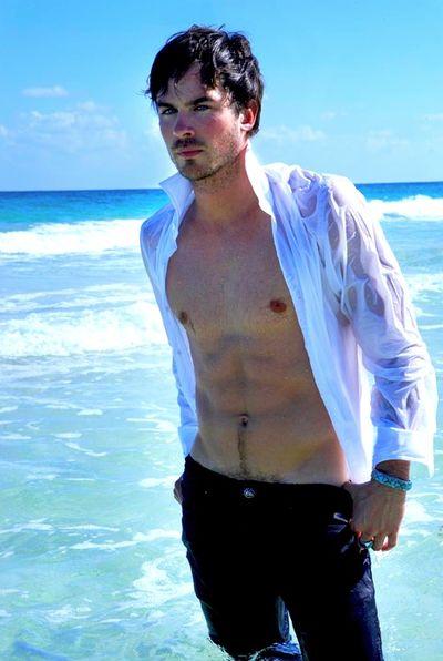 Ian Somerhalder Vampire Diaries Star On His Shirtless
