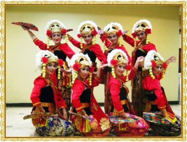 Macam-macam Budaya di Indonesia: SENI TARI NUSA TENGGARA ...