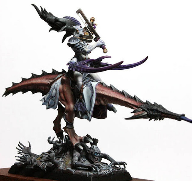 Expert Slaanesh Miniature photo