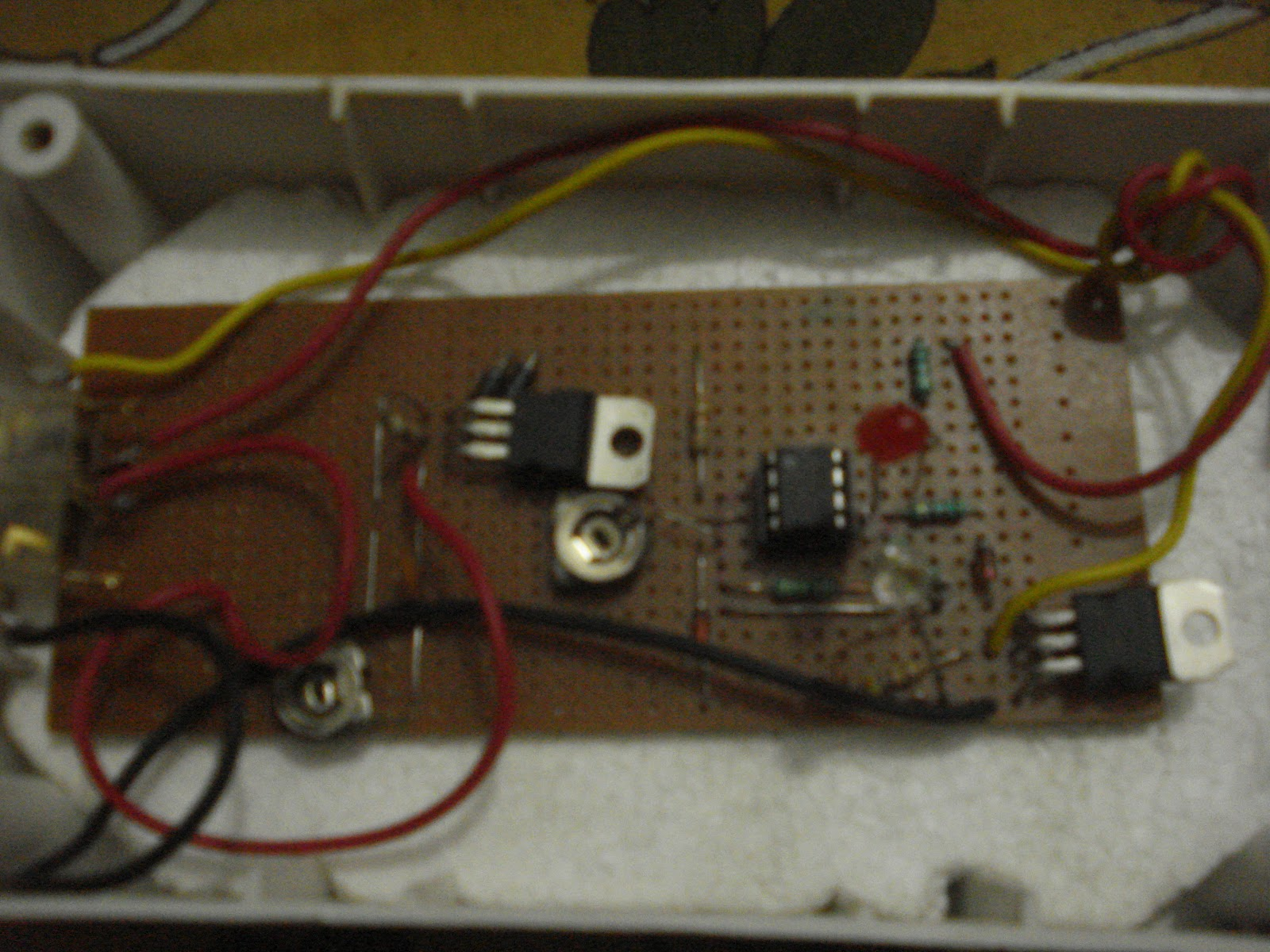 Lead Acid Battery Charger Circuit Renergy Test Blog Cut Off Using Ic 741 Explained Electronic Projects 1 This Is The Set Up In 35x6 Inches Box Input Of Comes From Two 6v 3watt Solar Modules Connected Series To Get 12v1amp Dc