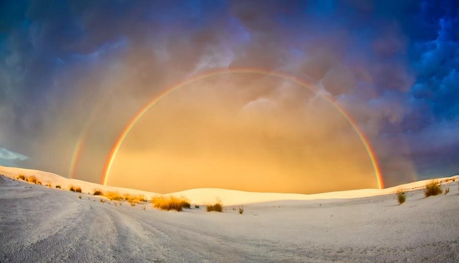 Bienvenidos al nuevo foro de apoyo a Noe #272 / 03.07.15 ~ 09.07.15 - Página 4 Doble+arco+iris+sobre+el+desierto+de+White+Sands+National+Monument+en+Nuevo+Mexico+...Imagen+de+Rikk+Flohr%EF%BB%BF.